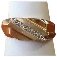 Vintage 10 kt gold and diamond gents ring circa 1970