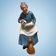 "Royal Doulton ""The Favorite"" HN 2249"
