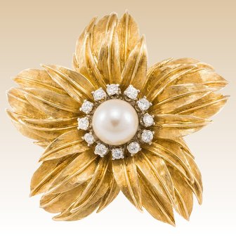 18K Diamond Pearl Flower Brooch Pin Yellow Gold