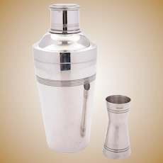 Superb Art Deco Silver Plated Cocktail Shaker, Circa 1930