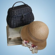 Adorable Vintage French set : straw hat and picnic wicker basket for large doll.