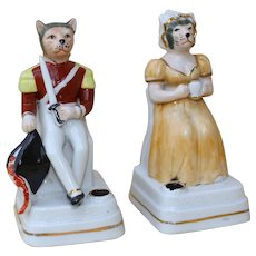 Circa 1900: Rare and original pair of German porcelain inkwells « Marechal Cat and Madam »…