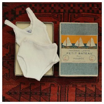 Rare French Vintage Box Trousseau Layette ''Petit Bateau'' For Doll With Undershirt and Panties.