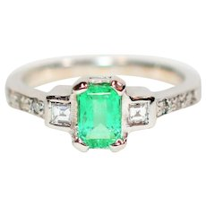 Regal Showstopper 1tcw Colombian Emerald & Diamond 18kt White Gold Ring