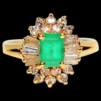 Glowing Jewel 1.20tcw Colombian Emerald & Diamond 14kt Yellow Gold Ring