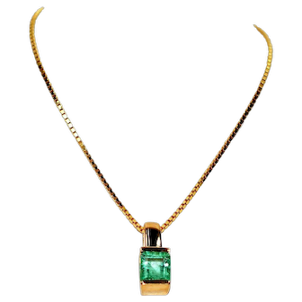 Elegant 1ct Colombian Emerald 14kt Yellow Gold Pendant Necklace