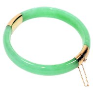 Unbelievable Gemstone Treasure 14kt Yellow Gold Jade Bangle Bracelet