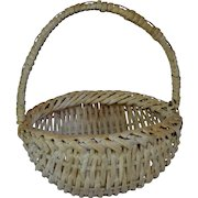 White Painted Splint Buttocks Basket