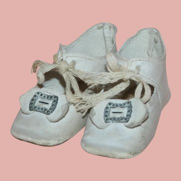 ~ Antique German *White Leather Doll Shoes* with Toe Buckle ~