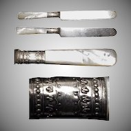 """C.1890's (2) a Pair of Mother of Pearl Handled 8"""" Knives"""