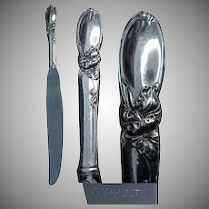 """(6) Community Plate White Orchid Pattern 9 & 3/8"""" Dinner Knives"""