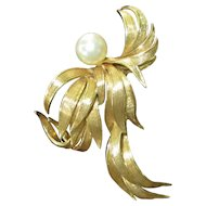 18K Yellow Gold Brooch/Pendant Set with Luminous Cultured Pearl