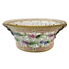 Extremely Rare Pre-1900 Flora Danica Round 8'' Fruit Basket by Royal Copenhagen -  Pyrus Malus .L