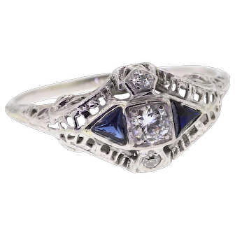 Art Deco Old European Diamond & Sapphire Filigree Engagement Ring