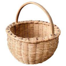 "Rare Miniature Antique 19th C. Taghkanic/Taconic/Bushwacker Basket.   5-1/4"" diameter."