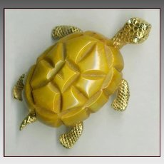 Adorable CADORO Bakelite Turtle Pin
