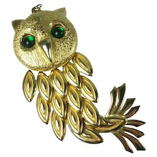 Vintage 1970s Large Articulated Gold Tone Owl Pendant