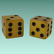 Vintage Pair Yellow Genuine Bakelite Game Dice
