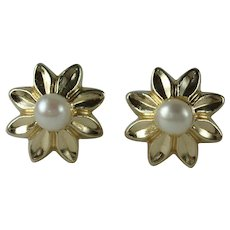 Vintage 10 Karat Gold Cultured Pearl Flower Earrings