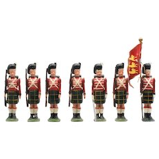 Britains Waterloo Highlanders with Muskets  Vintage Lead Toy Soldiers
