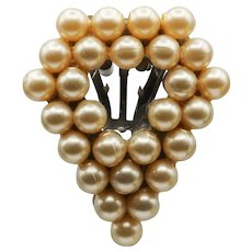 Faux Pearl Dress Clip with Open Center