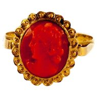 18 kt carved Coral Cameo Ring
