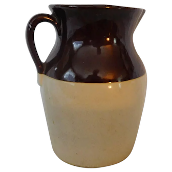 USA Vintage  Pottery Jug