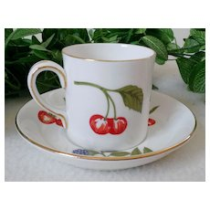 Crown Staffordshire Hampton Flat Cup & Saucer Set Wildberry