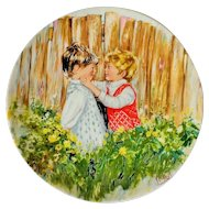 """Wedgwood Mary Vickers """"Be My Friend"""" 1981 Queen's Ware Plate"""