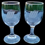 United Airlines Wine Glass Set