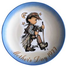 Hummel Mother's Day Plates by Schmid