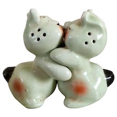 Vintage Van Telligen Bunny Hug Salt & Pepper Shakers