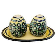 Boleslawiec Poland Polish Pottery Salt & Pepper Shakers with Underplate