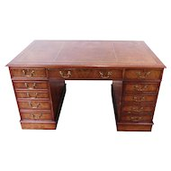 Reproduction Walnut & Yew Wood Kneehole Leather Top Pedestal Computer Desk 1990s