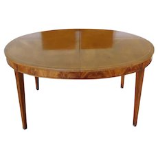 "1950s Oval Line Banded ""Sun Aged"" Sheraton Style Mahogany Dining Room Table w/ 2 leaves"