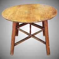 Antique Rustic English Pine 18th Century Round Pub Style Table