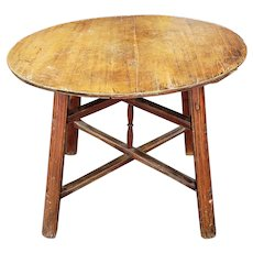 Antique Rustic English Pine 18th Century Round Pub Style Table