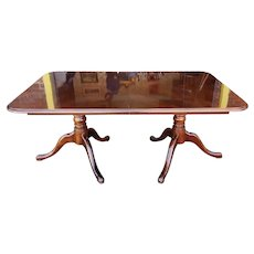 Thomasville Veneered Rectangular Queen Anne Style Dining Room Table w/ 1 Leaf 1990s