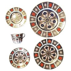5 Piece Dinner Place Setting Royal Crown Derby Old Imari Pattern #1128 c.1980s