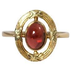 18k Yellow Gold Garnet Antique Ring