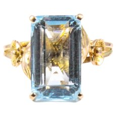 Mid Century 18k Yellow Gold Aquamarine Ring
