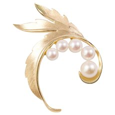 Mikimoto 14k Yellow Gold Pearl Brooch
