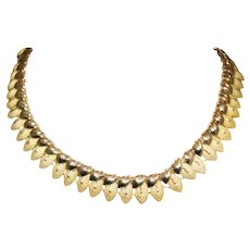 18k Yellow Gold Retro Leaf Necklace