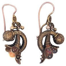 Victorian 14K Yellow Gold Earring.