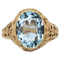 14K Yellow Gold Art Deco Aquamarine Ring.