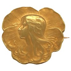 French Art Nouveau 18K Yellow Gold Brooch.