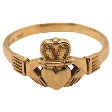 18k Yellow Gold Claddagh Ring