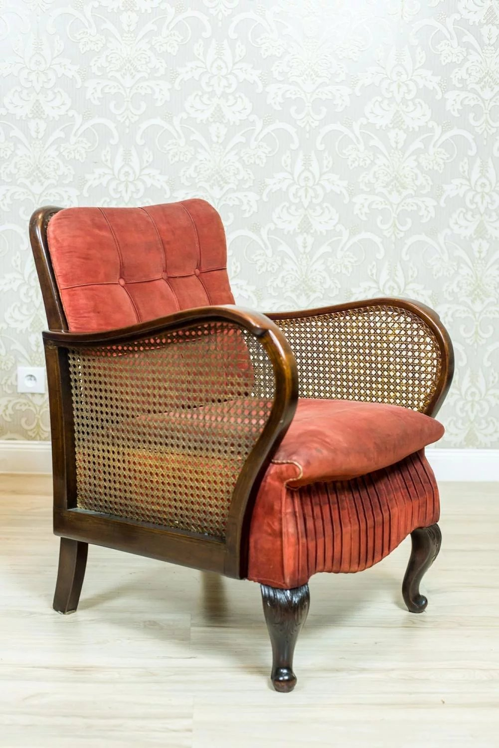 Two Thonet Armchairs from the 1920s : Antique Beauty ...