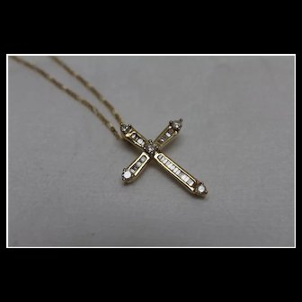 "14k - .50 CT - High Quality Diamond Cross on 22"" Figaro Link Chain Necklace in Yellow Gold"
