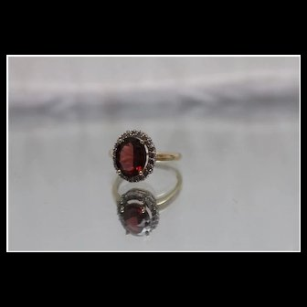 14k - 1.50 ctw - Diamond & Garnet Halo Mounting Colored Stone Ring in Yellow Gold